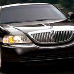 Lincoln-Town-Car-Sedan-1